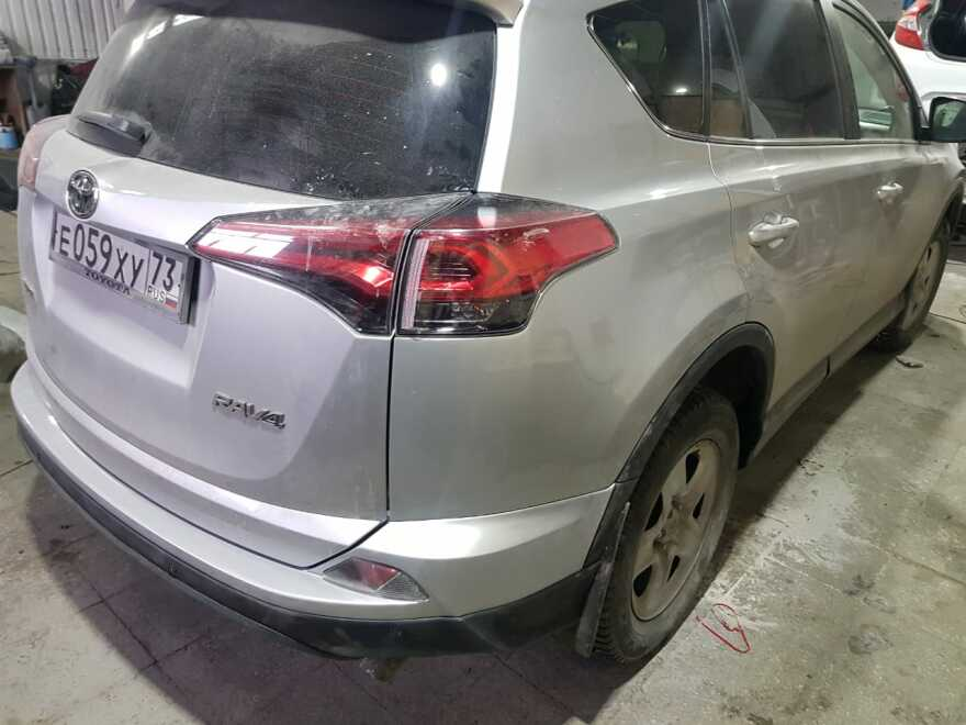 Фото результата окраски заднего крыла Toyota